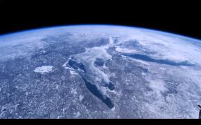 A Beautiful Planet_3