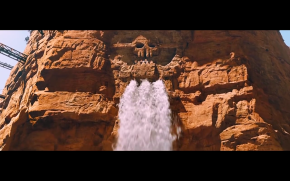 Immortan Joe releases a huge stream of water. (Mad Max: Fury Road, George Miller, 2015)