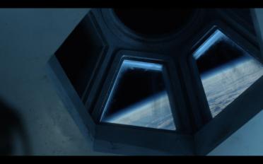 The100_S1_E1_SpaceStation_Sky box